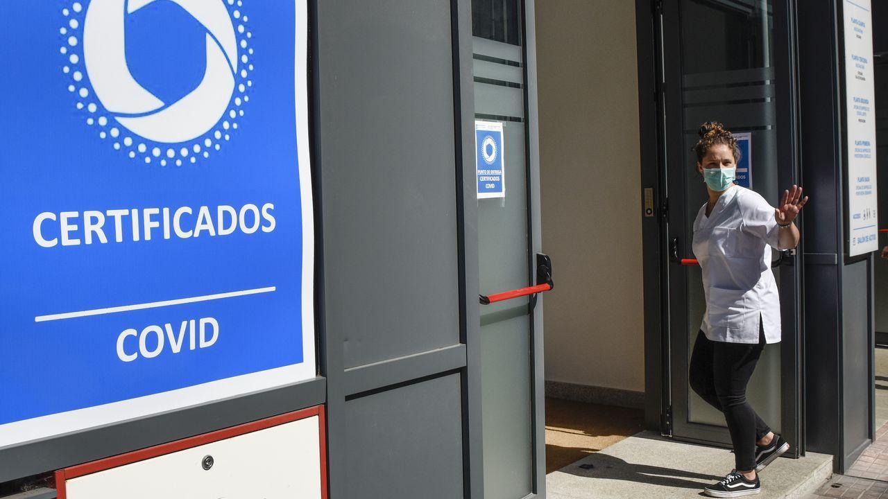 En el edificio de la Xunta en Benito Corbal se expiden desde este sábado certificados de vacunación, de test de antígeno negativo y de haber pasado el covid