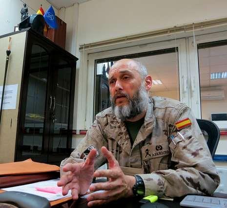El general Aparicio, en su despacho en el cuartel de Kabul.