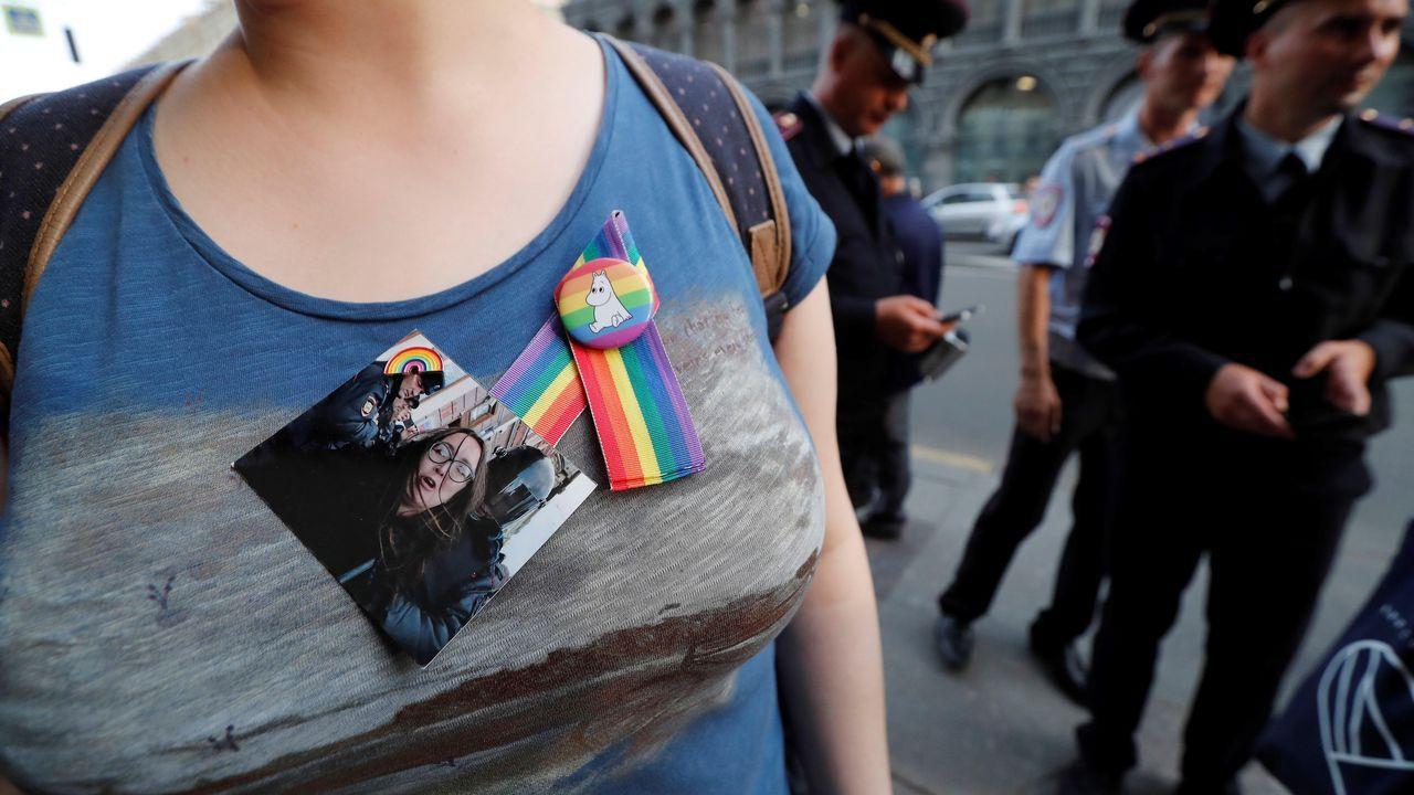 Entrada a la estación de tren de Gijón. ferrocarril.El colectivo LGBT en Rusia, honra la memoria de Yelena Grigórieva