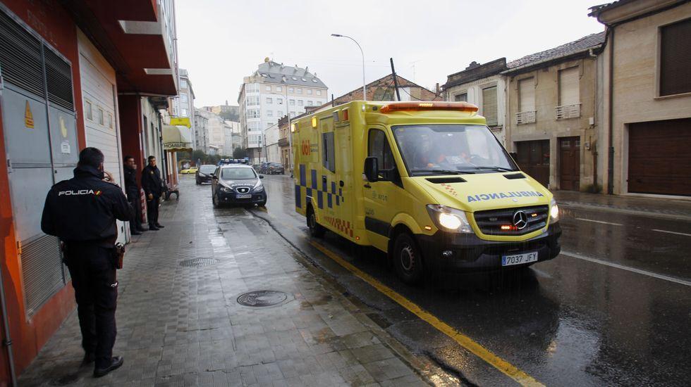 La romería chantadina de San Lucas, en fotos.La ambulancia medicalizada, antes de abandonar el lugar del accidente con la niña atropellada