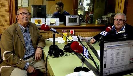José Manuel Toja y Jesús María Pose presentaron las nuevas canciones en Radio Voz.