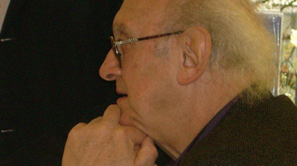 José Luis Álvarez Almeida.Petros Márkaris