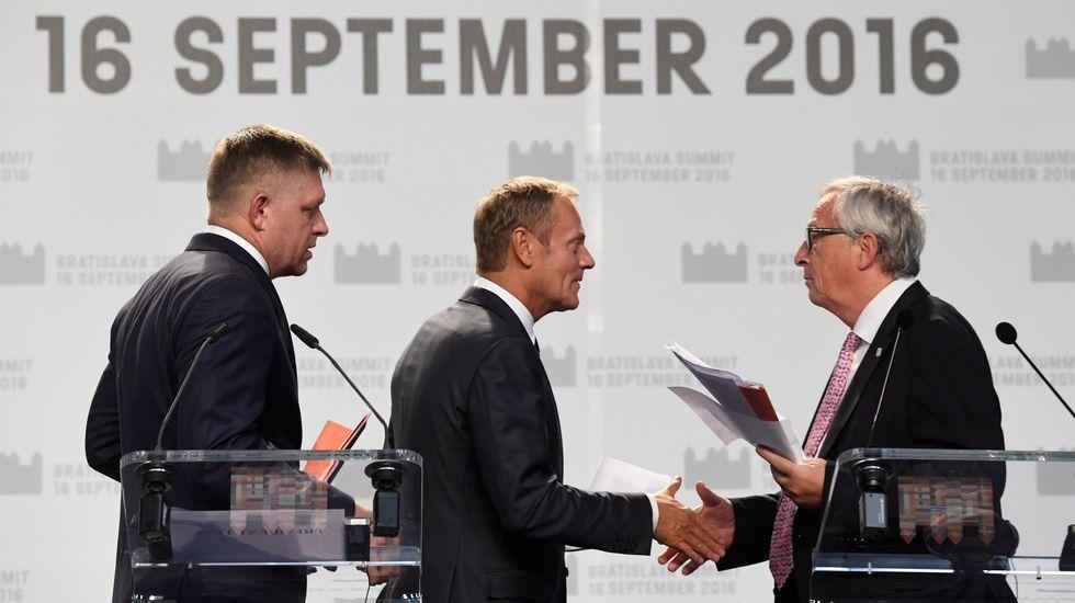 La primera ministra polaca, a la derecha, quiere retirar su apoyo a Tusk, a la izquierda.