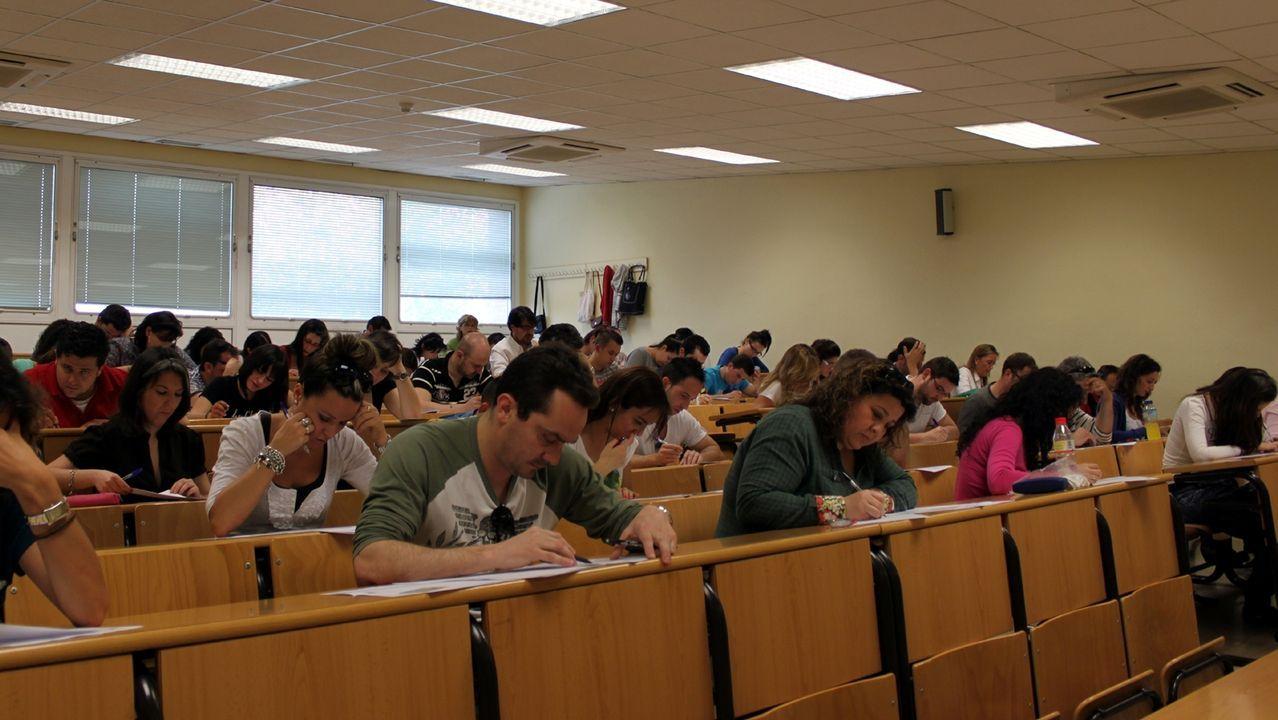 Examen de las oposiciones de Educación en junio del 2017 en la Universidade Laboral de Culleredo