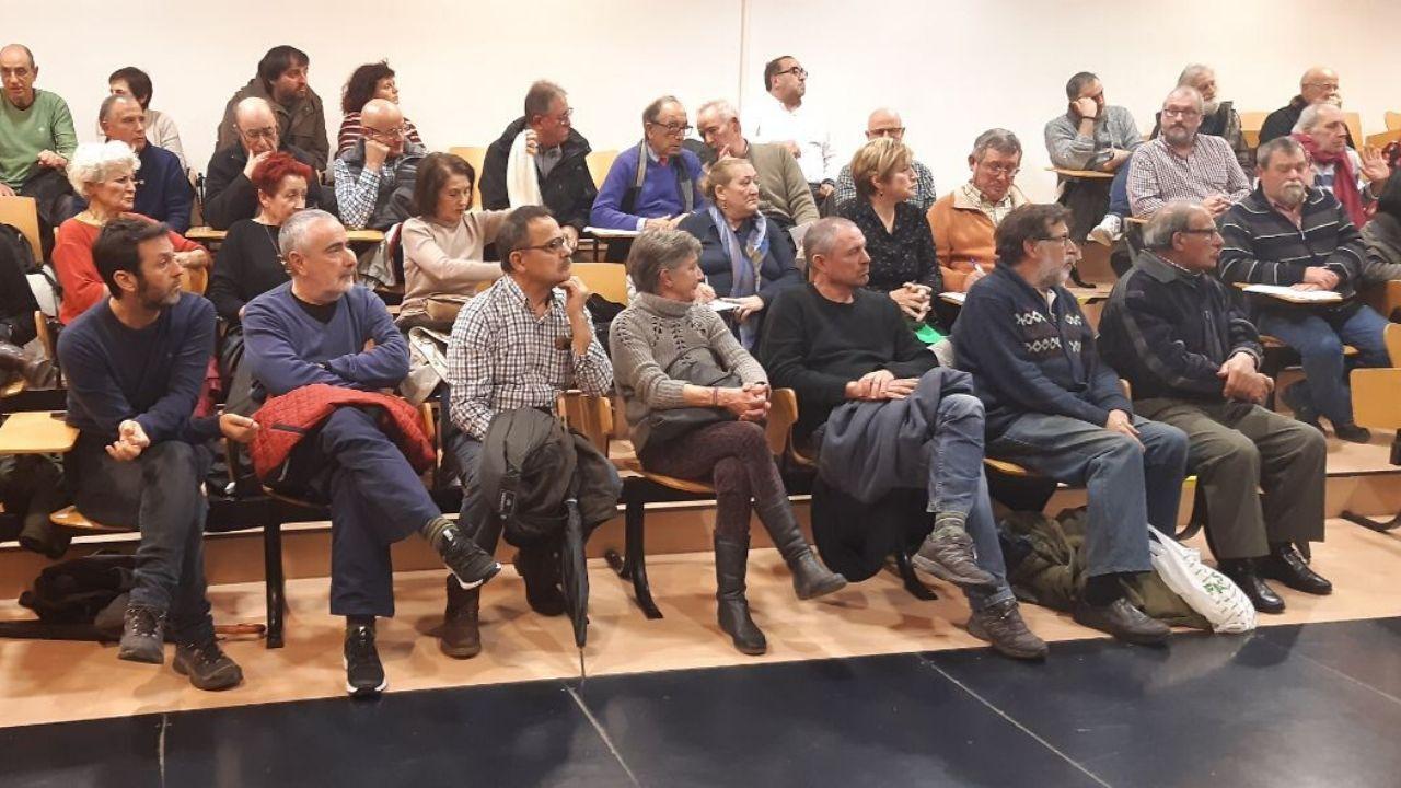 Asistentes, ayer, a la asamblea de Podemos