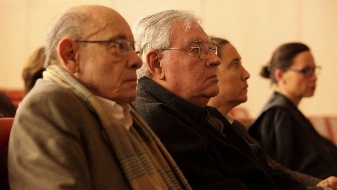 jóvenes investigadores científicos asturianos.El expresidente del Palau de la Música, Félix Millet, junto a Jordi Montull, y la hija de éste, al inicio del juicio