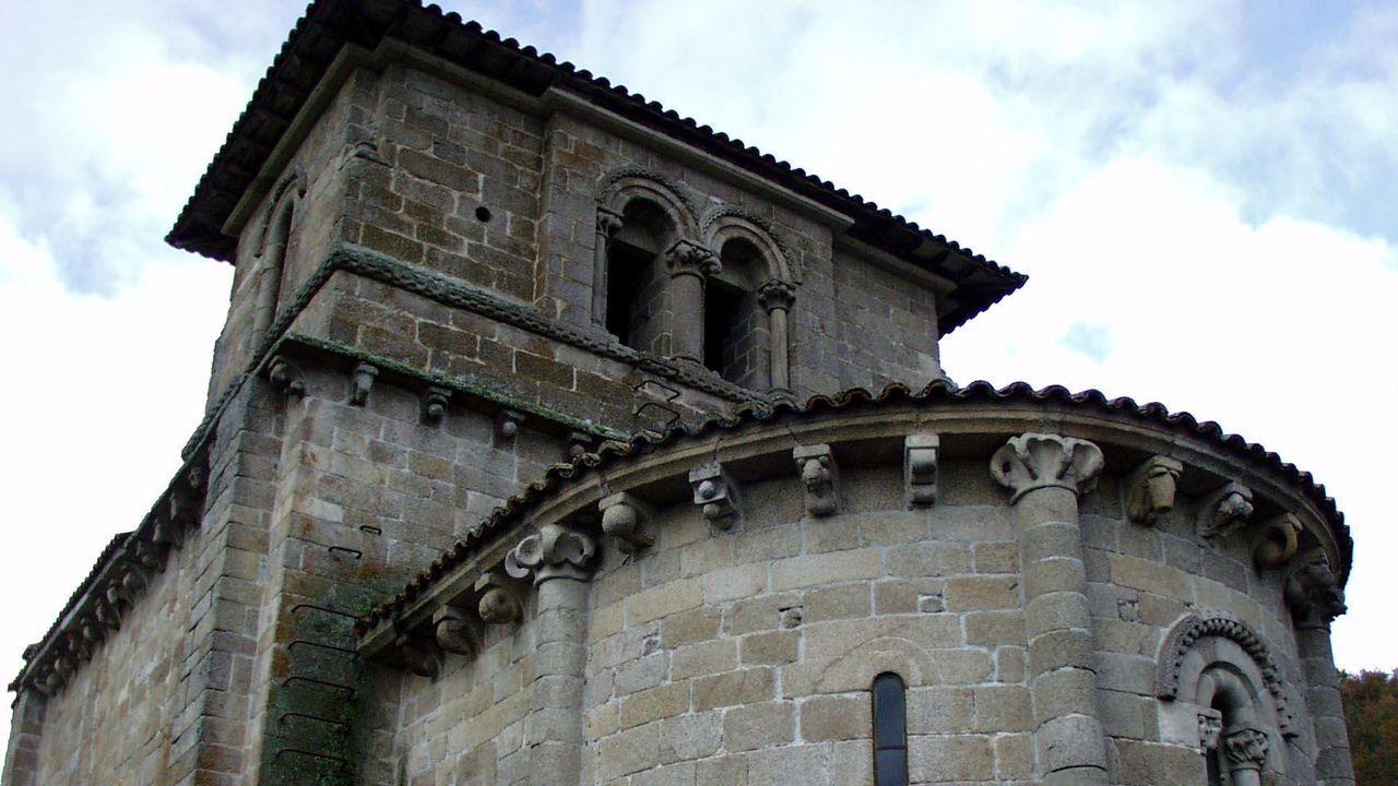 Fiesta de la Guardia Civil en Monforte, Chantada, Carballedo y Quiroga.A igrexa románica de de Eiré, chamada O Mosteiro, pertenceu a un antigo convento