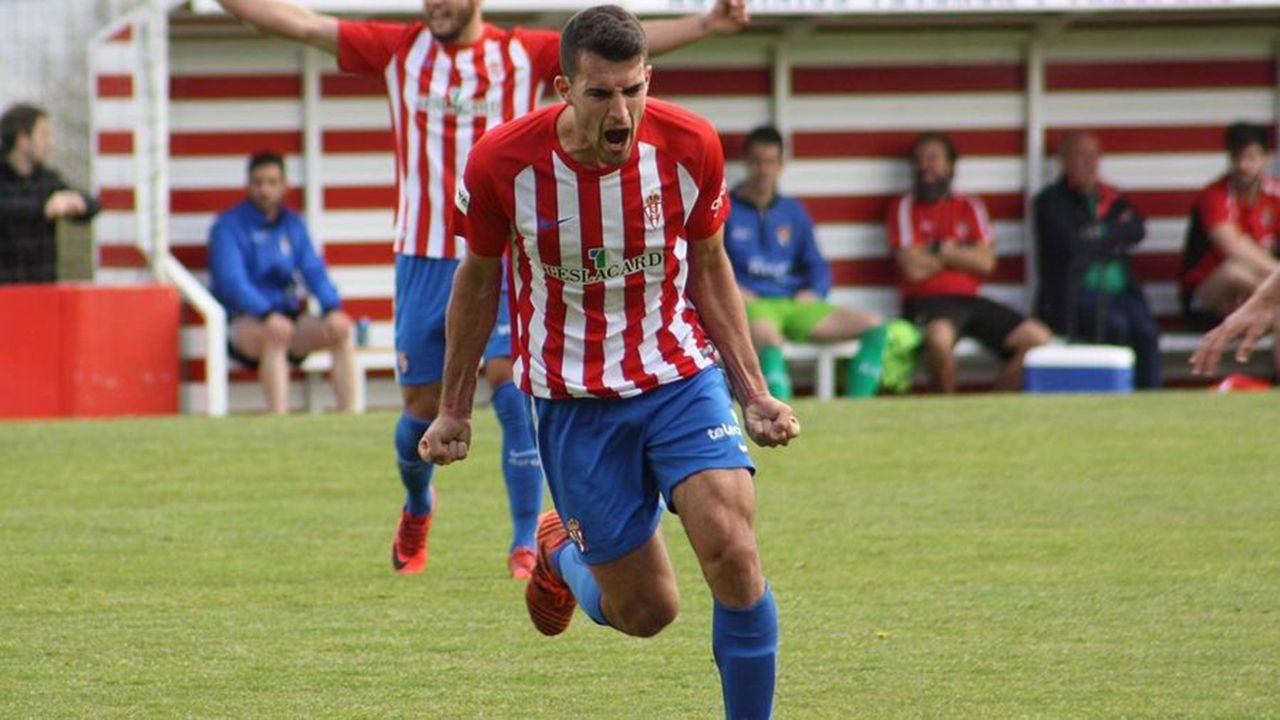 Claudio durante un partido con el Sporting B