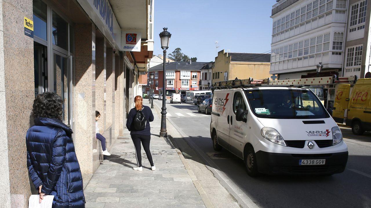 Más de 2.200 vecinos de entre 31 y 50 años de Porto do Son estaban citados para participar en el cribado realizado en el hospital de Barbanza