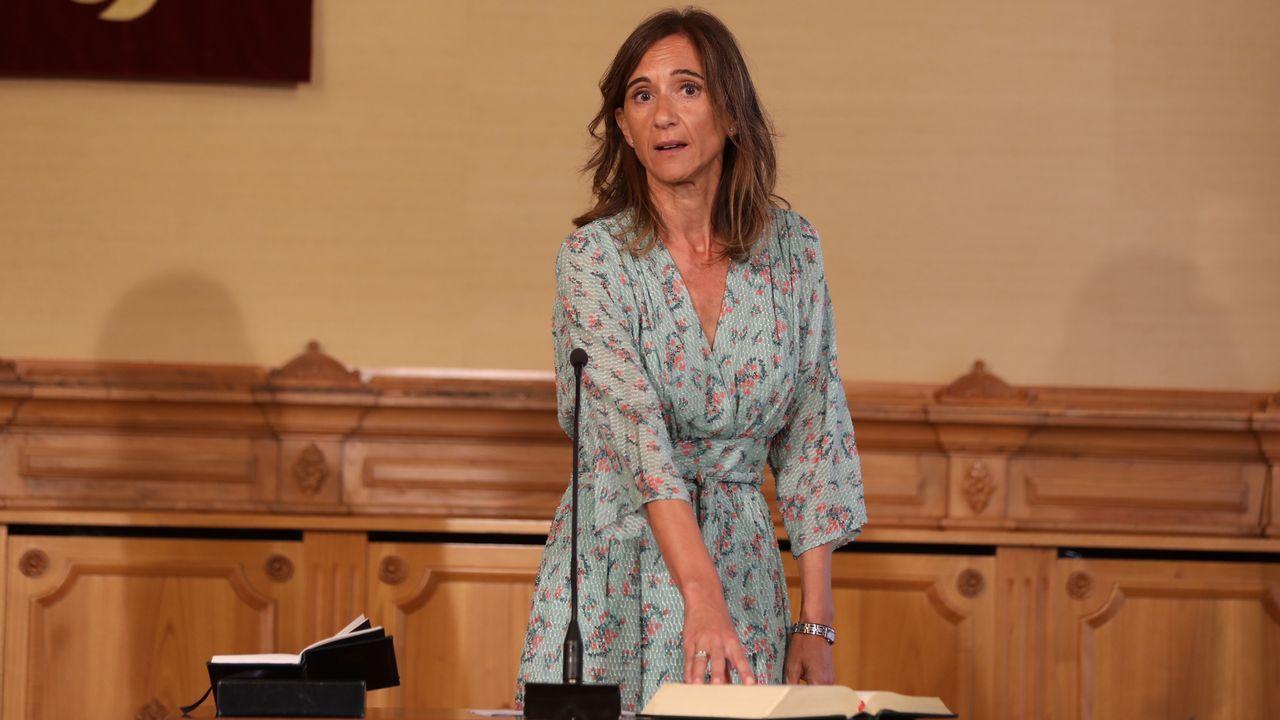 Carmen Pomar toma posesión como conselleira de Educación. Es profesora de Psicología, especializada en altas capacidades.