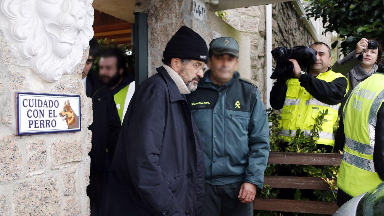 ¿Qué pasaba dentro de la orden de los Miguelianos de Oia?.El líder de los miguelianos, Miguel Rosendo, saliendo de la cárcel de Teixeiro para ir a declarar a la Audiencia de Pontevedra, en el 2018