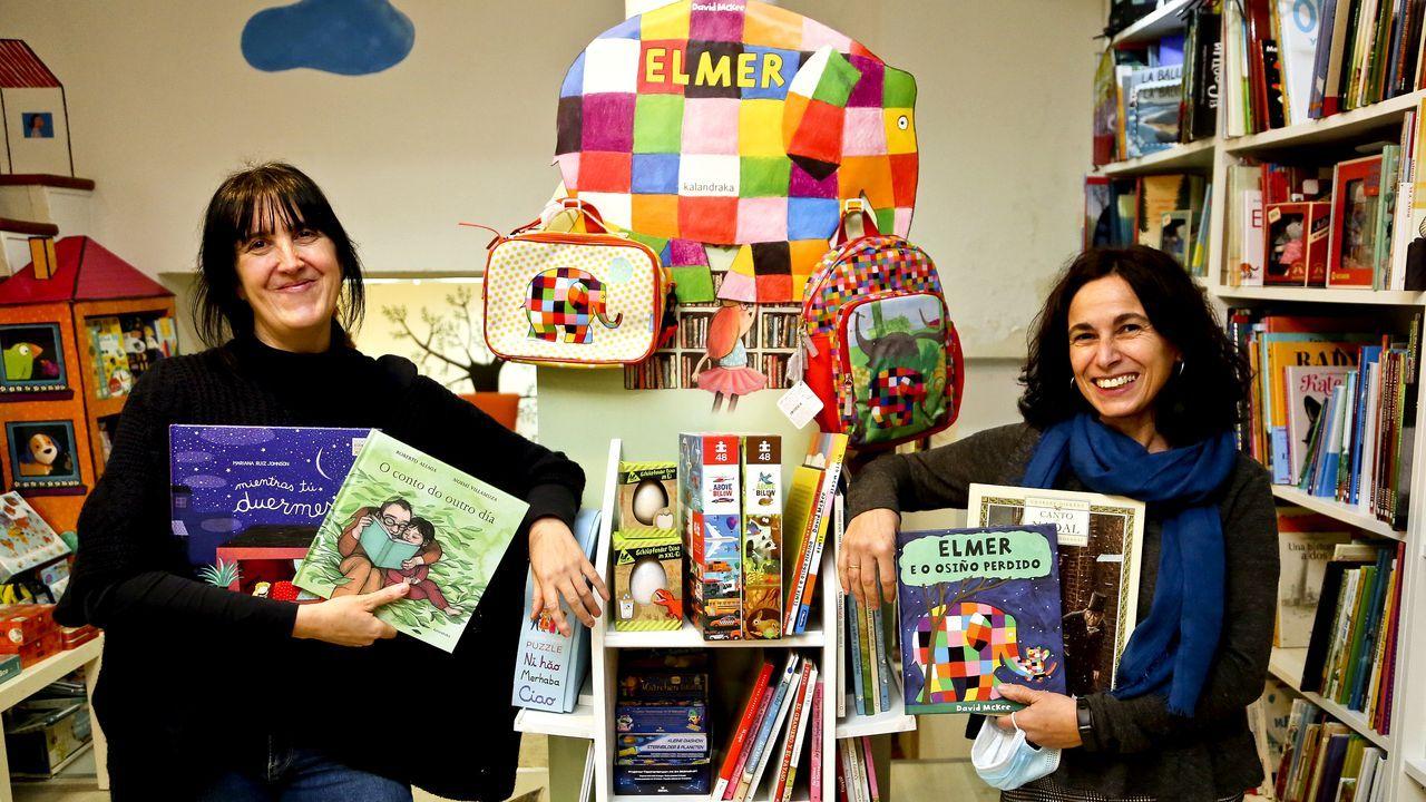 libros.Sandra y Carmela llevan Libros para Soñar, la primera librería gallega centrada en exclusiva en la literatura infantil y juvenil