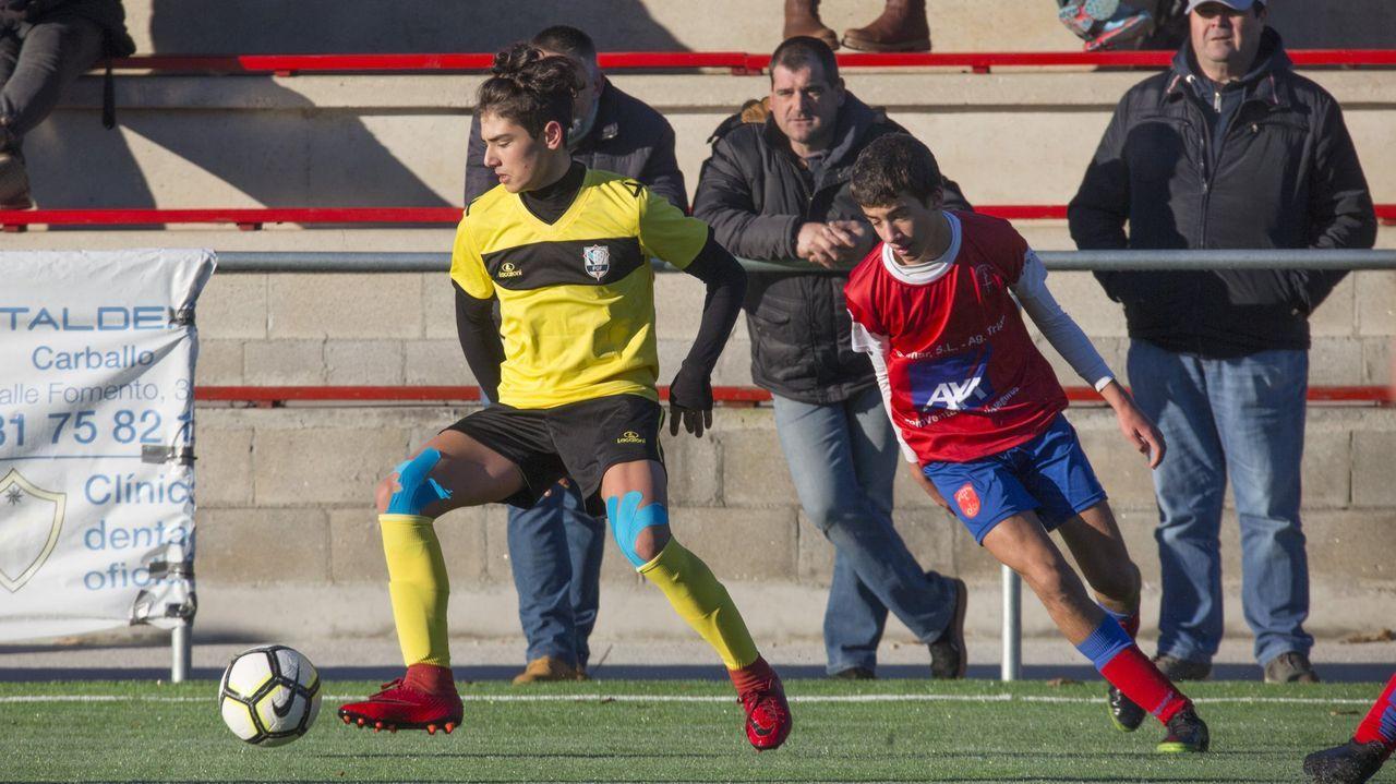 Iago López, jugador monfortino del Bergantiños, está en cuarentena en su casa