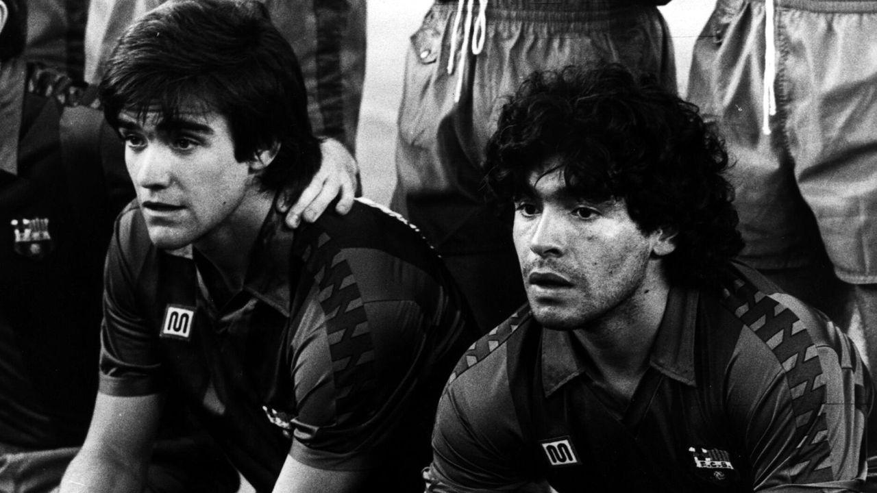 Maradona, junto a Marcos Alonso en su etapa como futbolista del Barcelona