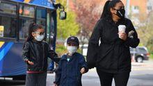 Dos niños en el barrio neoyorkino de Queens