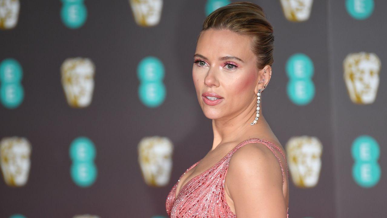 Scarlett Johansson, a su llegada la 73.ª edición de los British Academy of Film and Television Arts Awards, en el Royal Albert Hall de Londres
