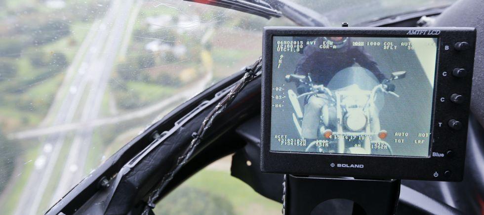 Lorenzo se cambia a Ducati.Dos zonas con firme distinto en las pruebas disputadas ayer en la zona de Eroski que se complementó en Vilatuxe. Los pilotos destacaron la organización.