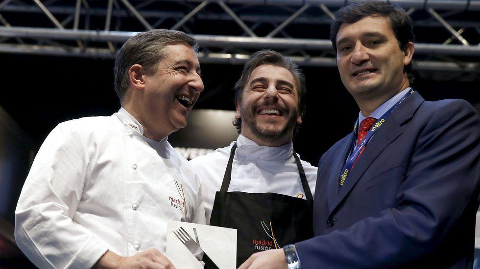 Los hermanos Roca recogen el premio ICEX en Madrid Fusión.