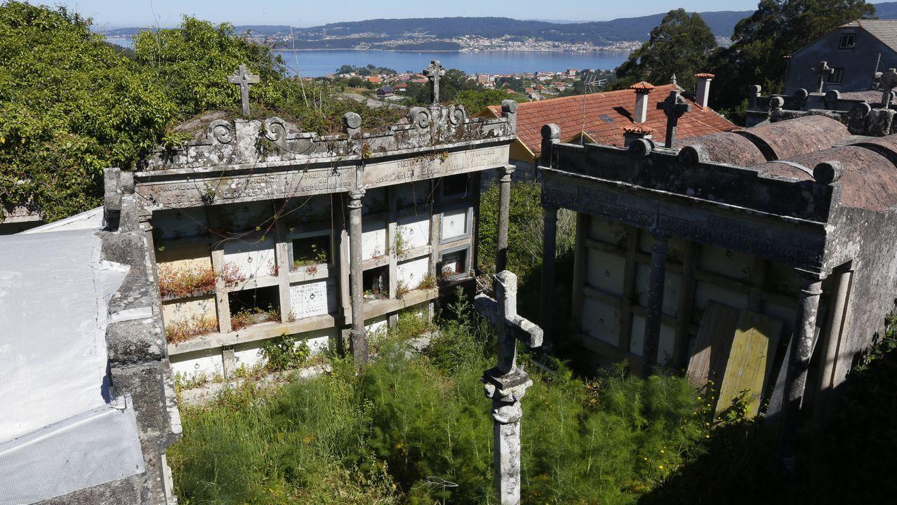 En directo: primera jornada de la selectividad de julio.Vista del antiguo cementerio de San Tomé de Piñeiro, en Marín