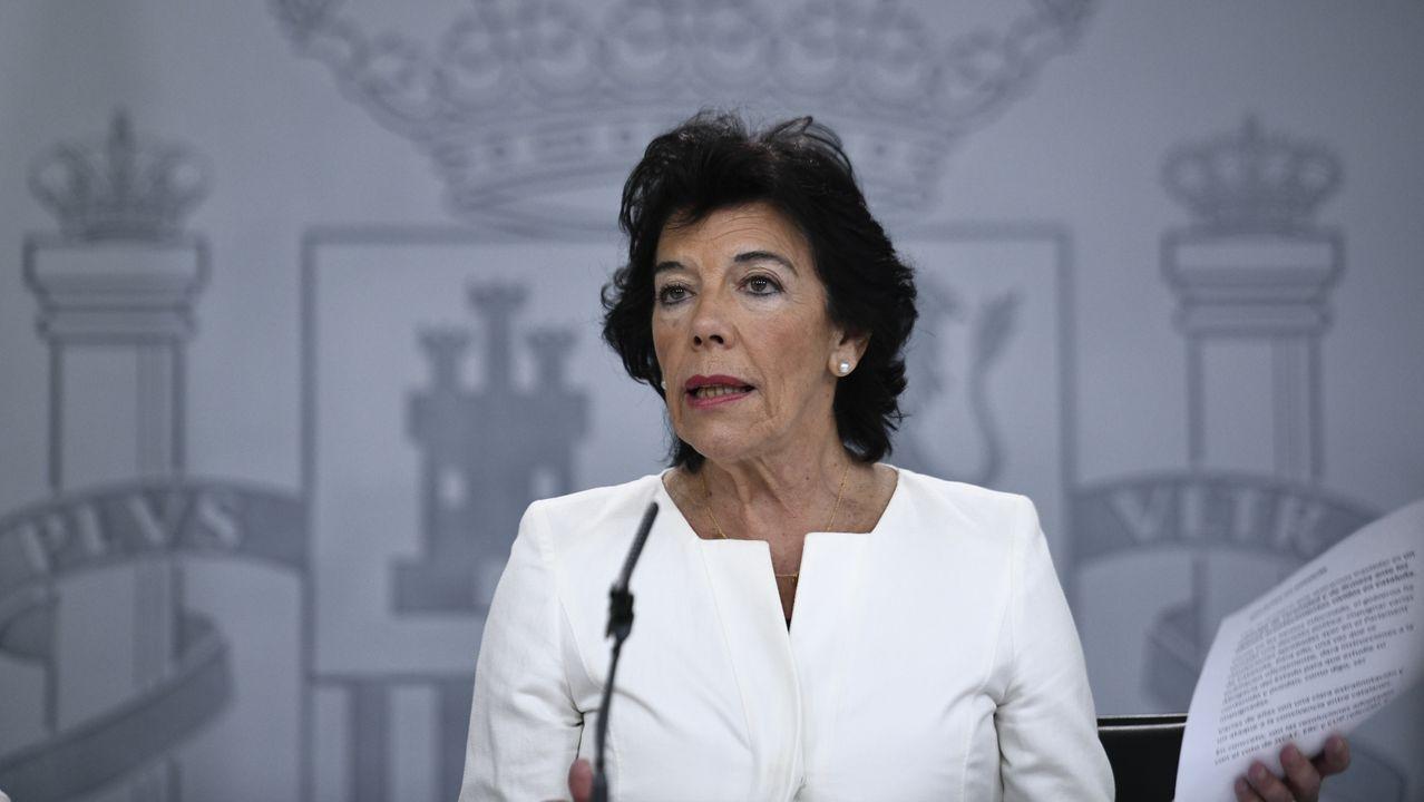 Isabel Celaá dice que la exhumación de los restos de Franco será «decorosa, discreta y digna»