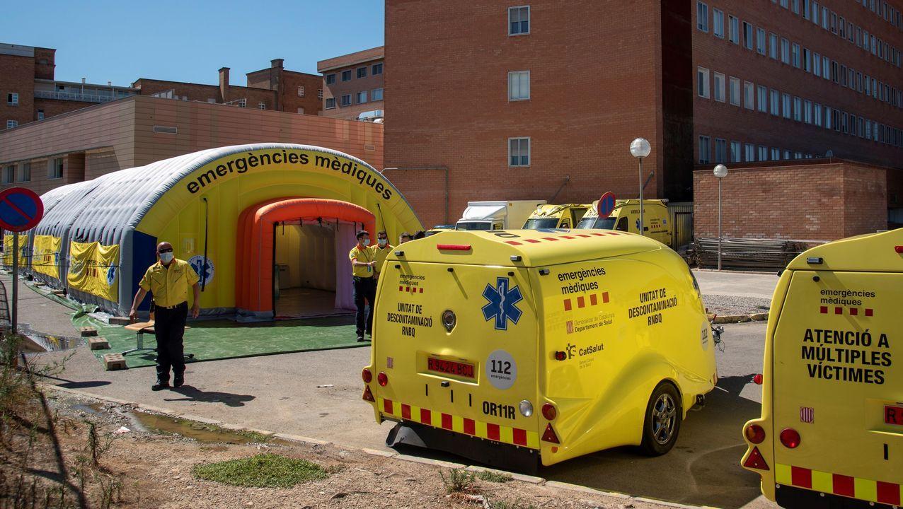 El Sistema de Emergencias Médicas (SEM) de la Generalitat de Cataluña instaló este viernes un hospital de campaña, formado por tres módulos independientes , junto al Hospital Universitario Arnau de Vilanova de Lérida