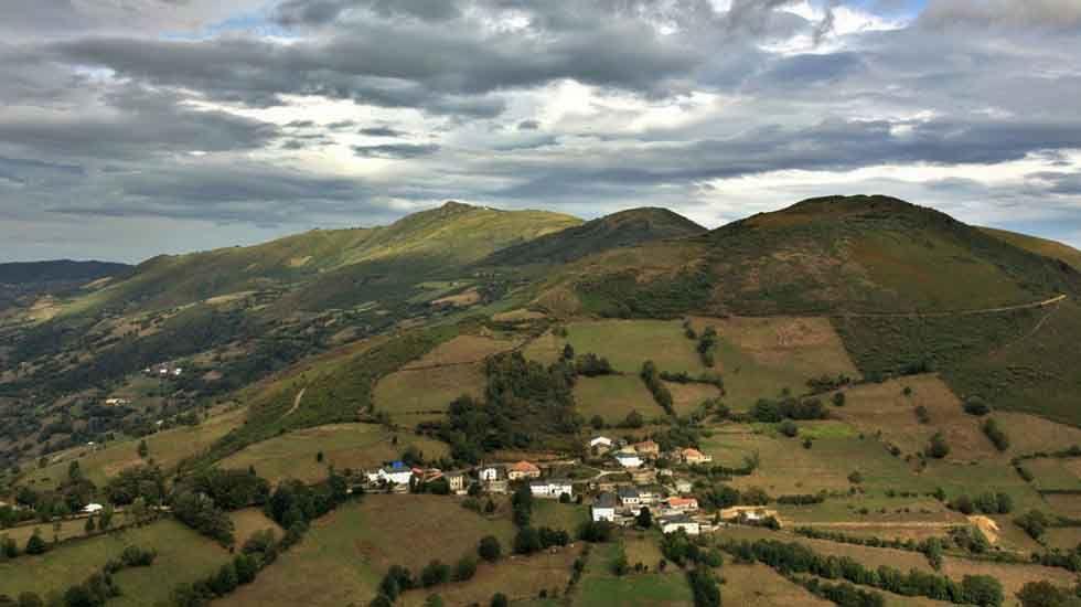 Vista de montaña en el entorno de Leitariegos