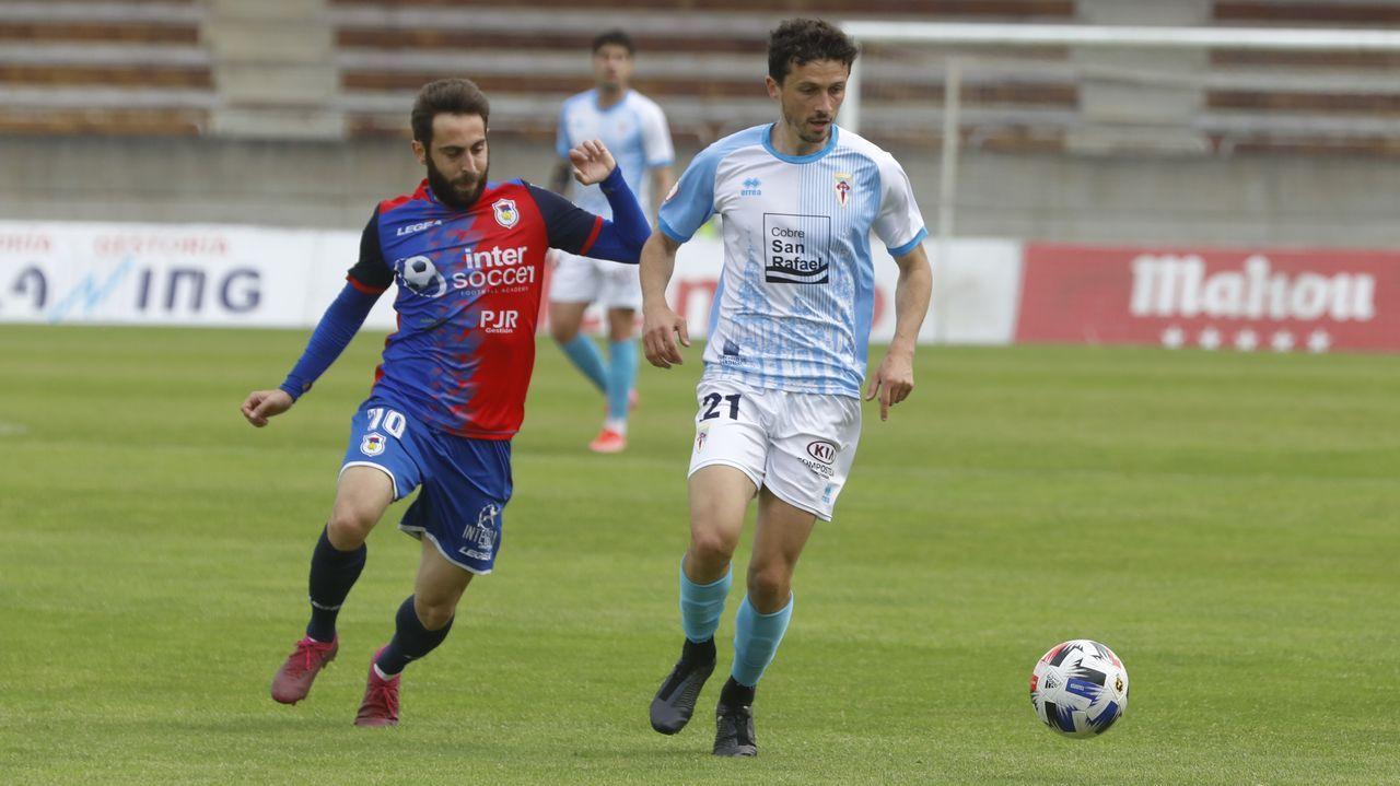 Las imágenes del partido entre el Pontevedra y el Lealtad.Imagen del encuentro del pasado 7 de marzo