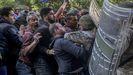 Soldados libaneses se enfrentaron a seguidores del exprimer ministro Saad Hariri este viernes en Beirut