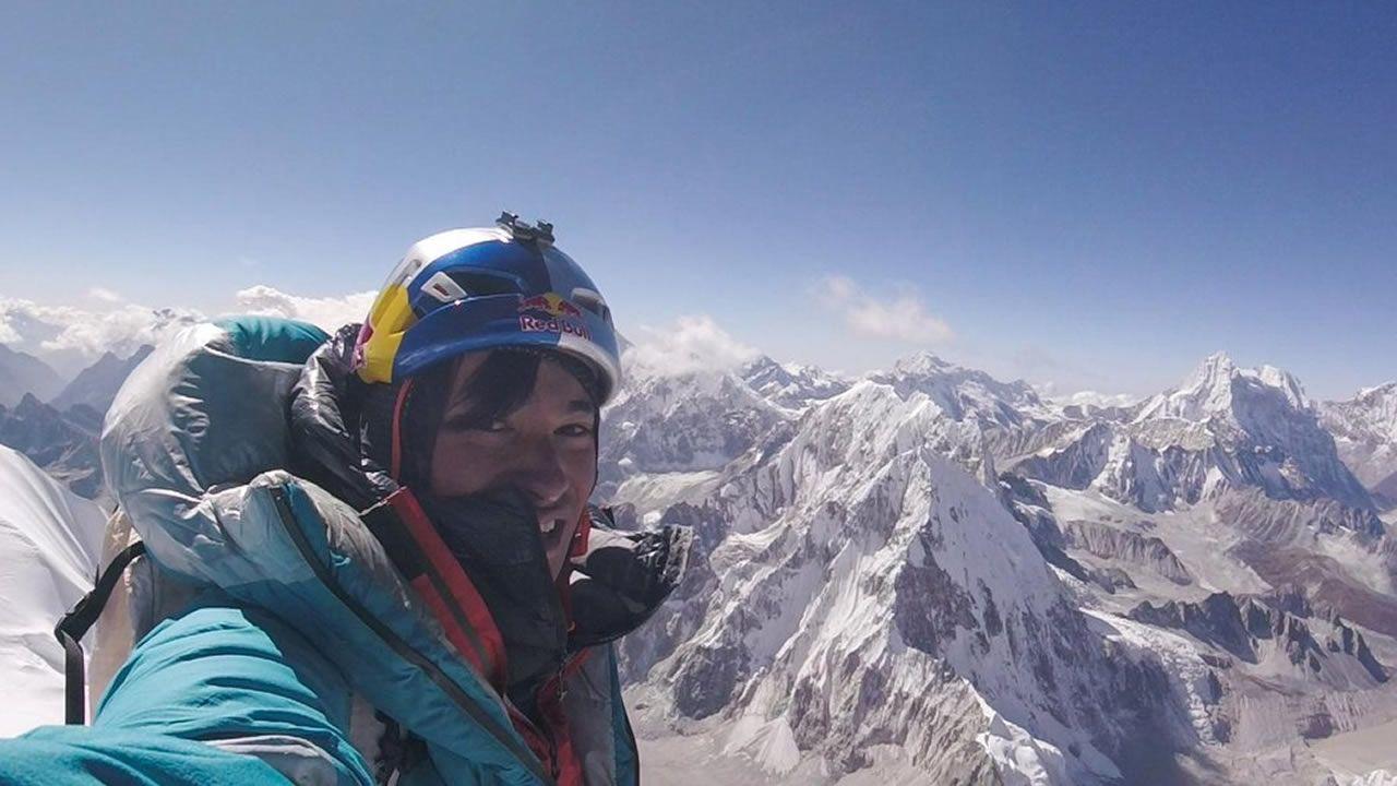«Seven Nation Army», de The White Stripes a golpe de disquetera.Selfie en la cima del Lunag Ri, a 6907 metros de altura, del austríaco David Lama