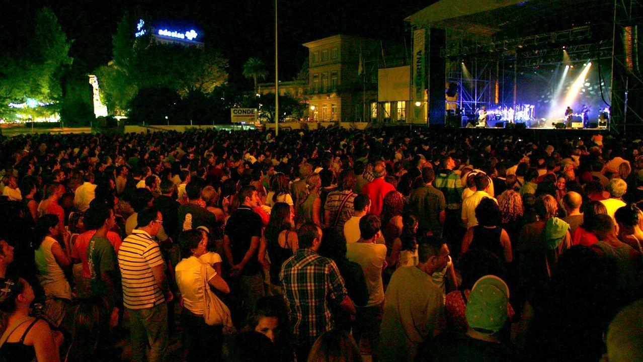 La imagen de la plaza de España de Pontevedra abarrotada en las fiestas de la Peregrina difícilmente se repeitrá este año